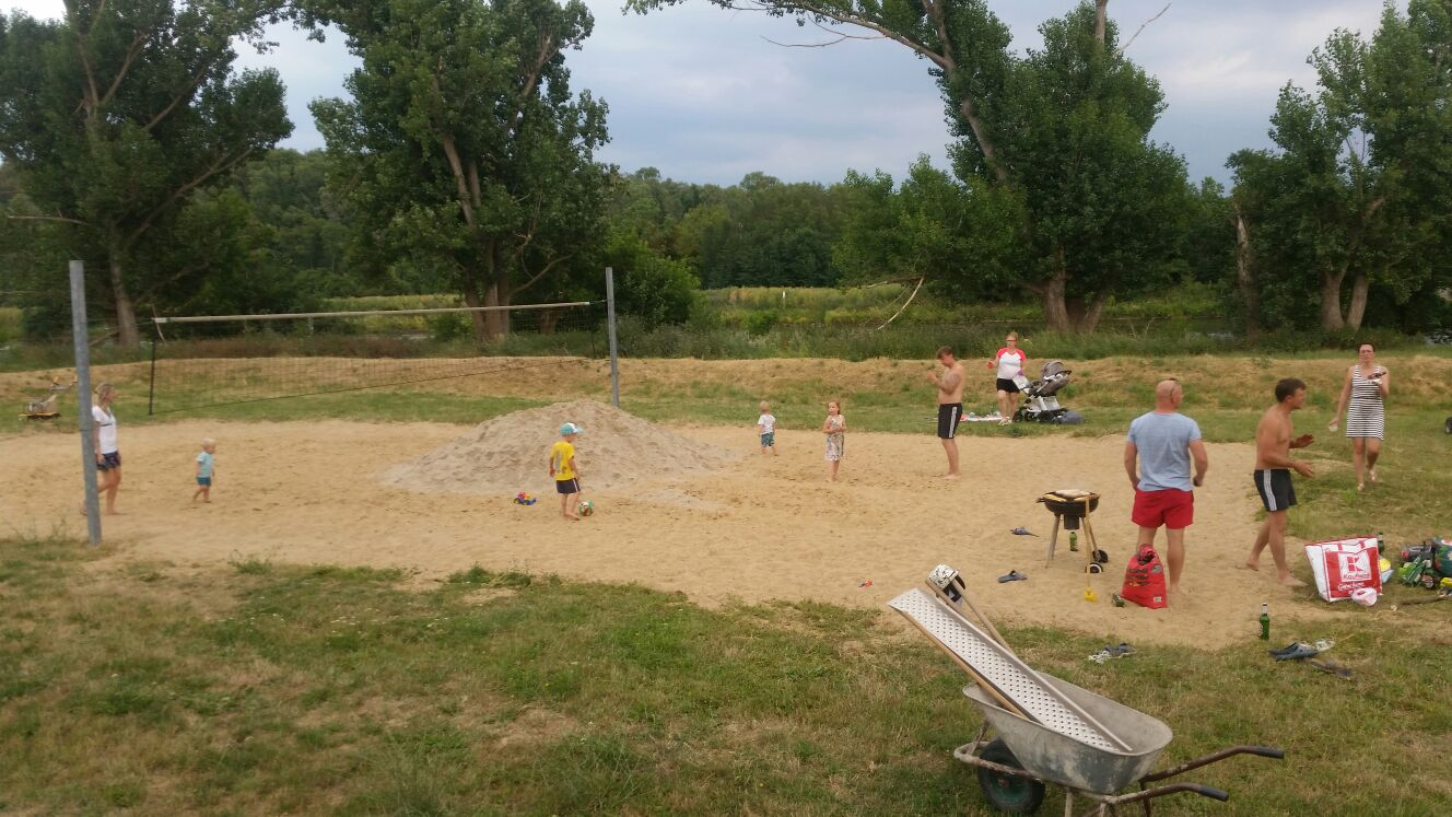 Volleyplatz erstrahlt in neuem Glanz - Brachwitz